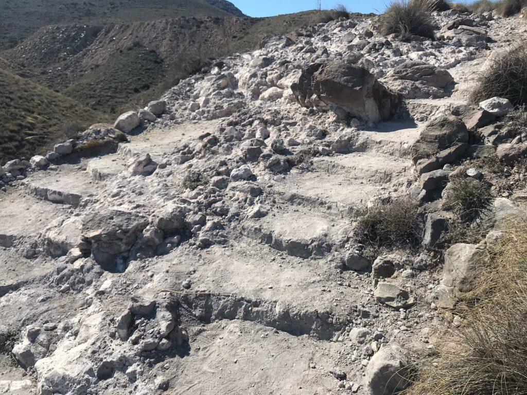 PSOE | Escombros en el acceso a la Playa de Los Muertos de Carboneras