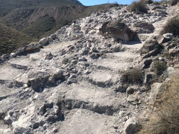 PSOE   Escombros en el acceso a la Playa de Los Muertos de Carboneras