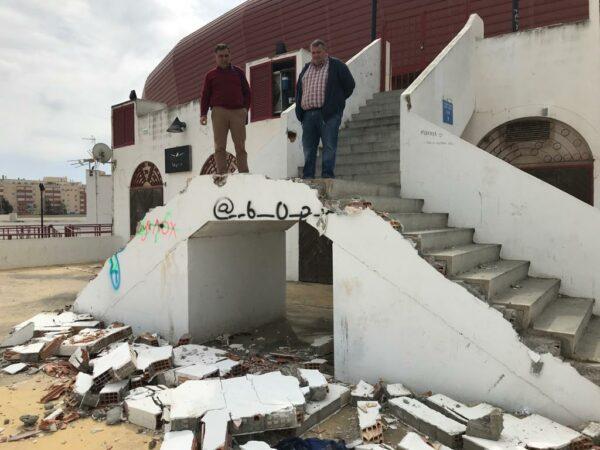PSOE | Estado de la plaza de toros de Roquetas