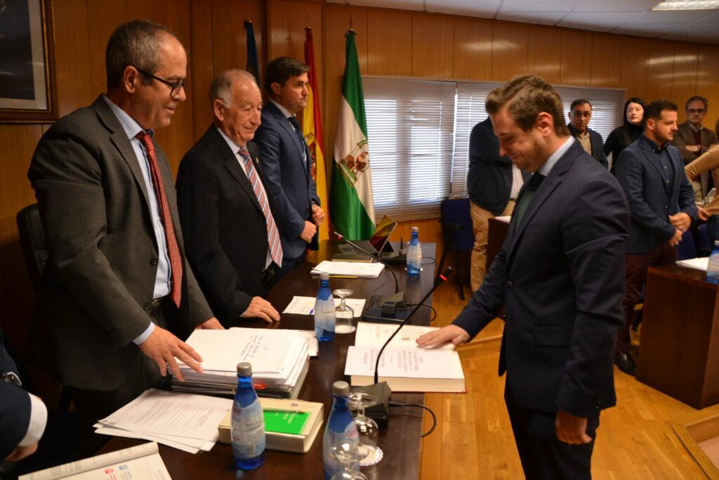 Roquetas de Mar   Jose Luis Llamas jura su cargo como concejal de Roquetas
