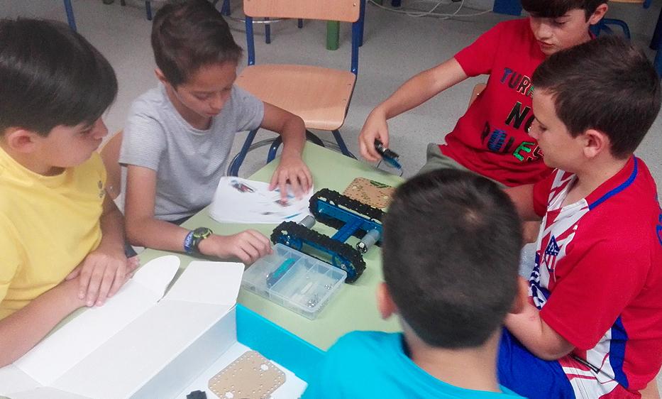 Los Gallardos   Robótica para niños