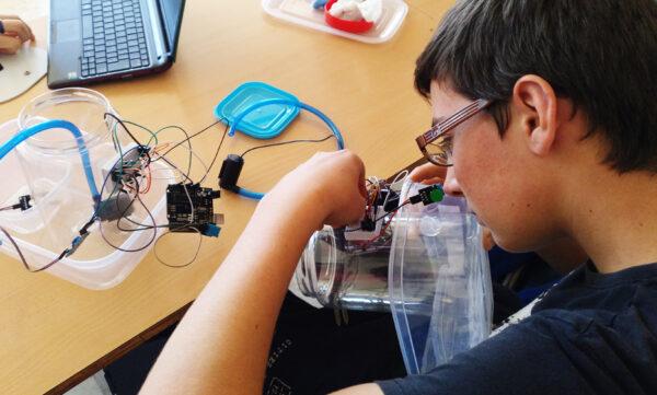 Actividad de robótica en el programa de Veranovivo