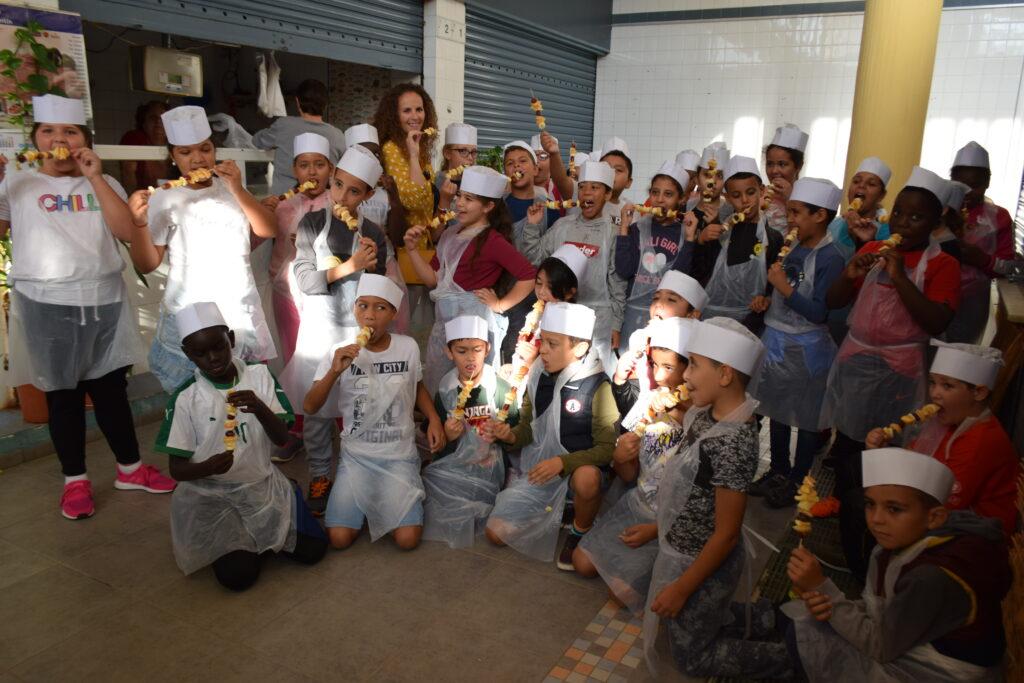 Participantes en la actividad gastronómica para menores en Vícar