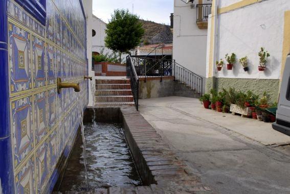 Fuente en Alcóntar.