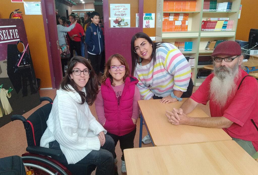 Voluntarios y estudiantes del proyecto de Verdiblanca