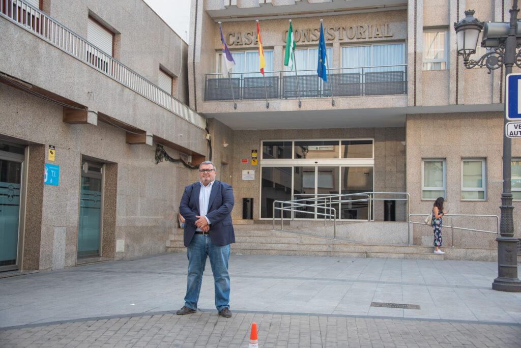 Manolo García, portavoz del PSOE en el Ayuntamiento de Roquetas.