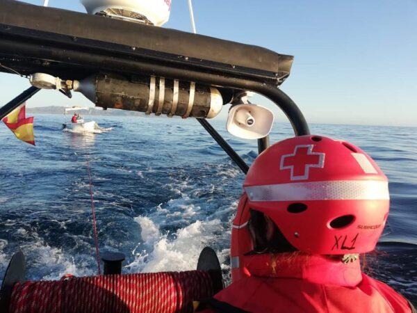 Embarcación de Cruz Roja para el auxilio de población migrante llegada en pateras.