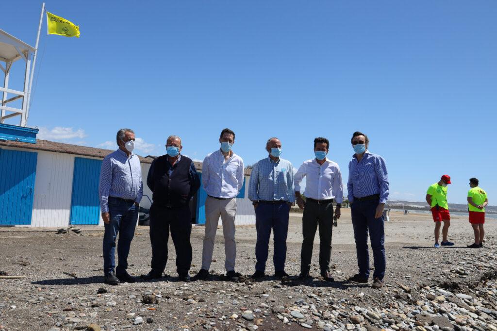 Visita de los representantes del PP a las playas de Balerma y Guardias Viejas