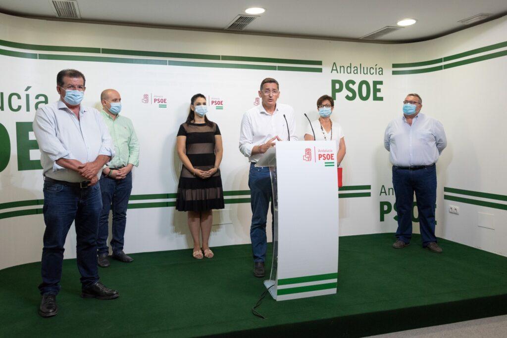 Responsables del PSOE en rueda de prensa
