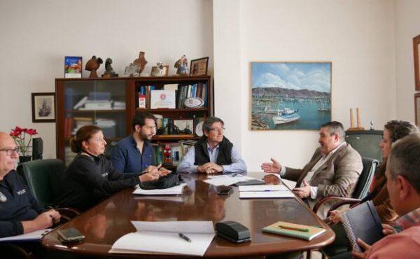 Reunión mantenida en Adra al inicio de la pandemia para tomar medidas de prevención en el municipio
