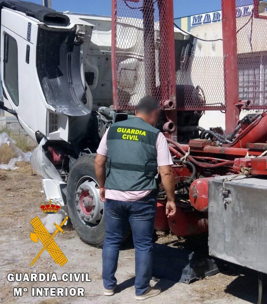 Material incautado por la Guardia Civil en Olula del Río.