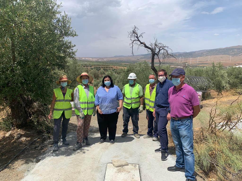 Autoridades visitan las obras del PFEA en Abrucena.