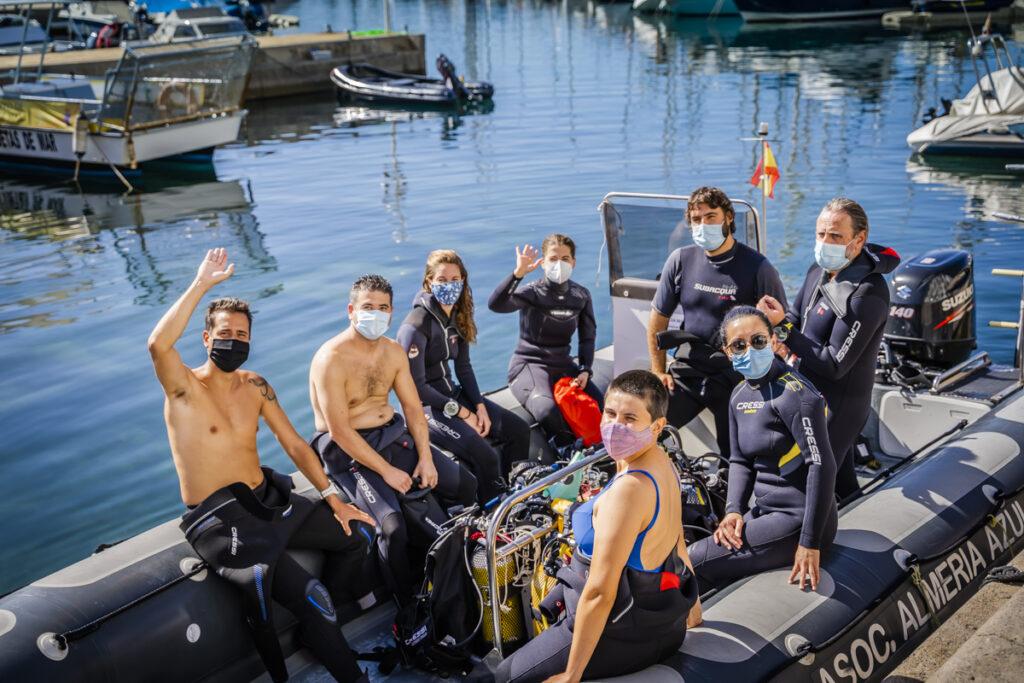 buceadores de Limpieza de fondos marinos