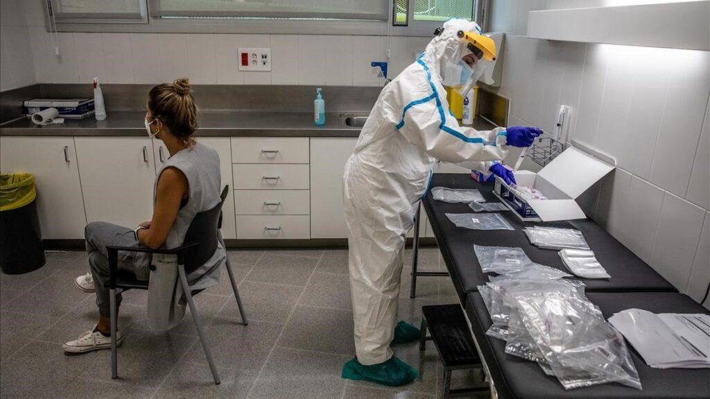 Una paciente se somete a un PCR.