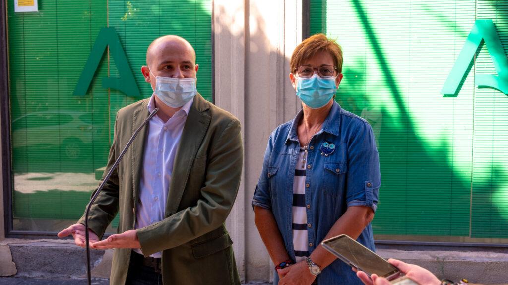 Antonio Martínez y Adriana Valverde.