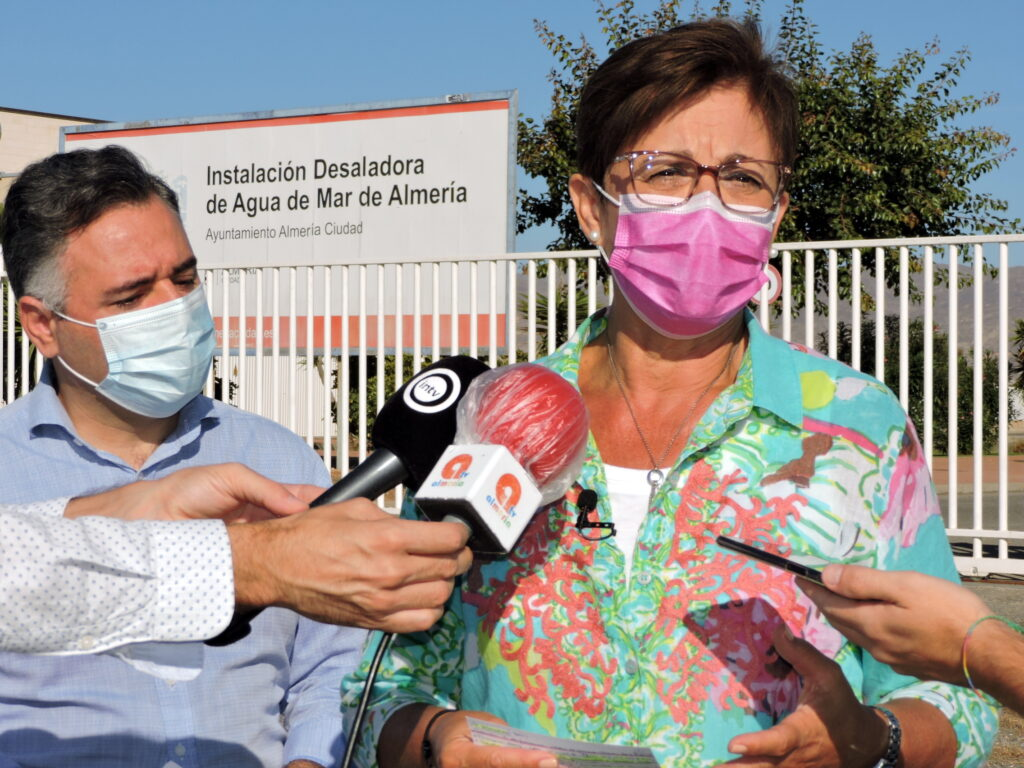 Adriana Valverde y Antonio Ruano en Desaladora