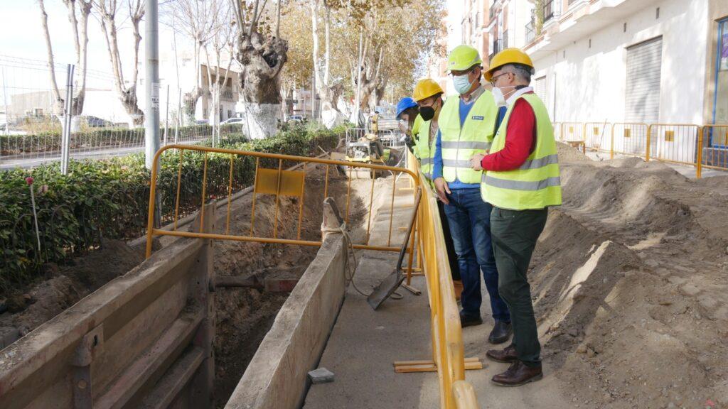 Renovación de colector de saneamiento en Adra.