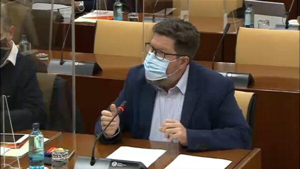 Rodrigo Sánchez Haro, hoy, en el Parlamento Andaluz.