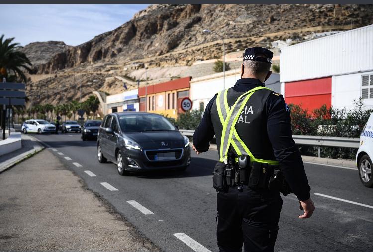 Control de la Policía Local de Almería.