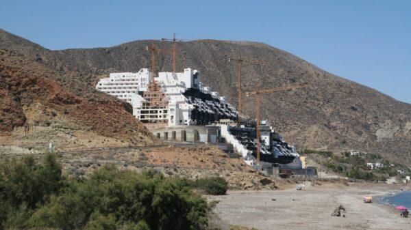 Hotel del Algarrobico, en Carboneras