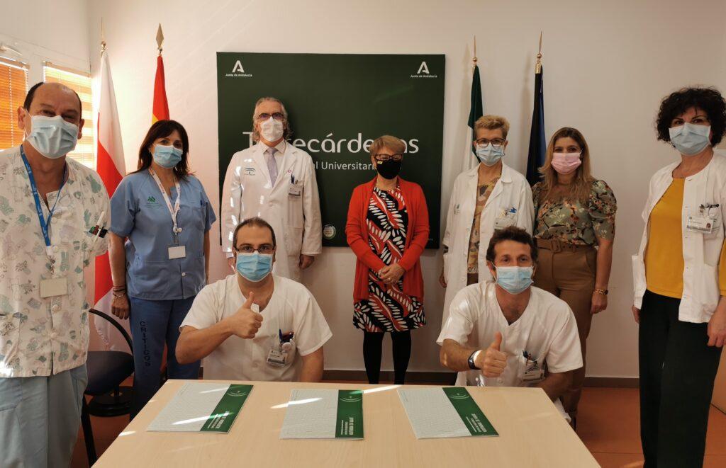 Firma del convenio entre el hospital y ARGAR.