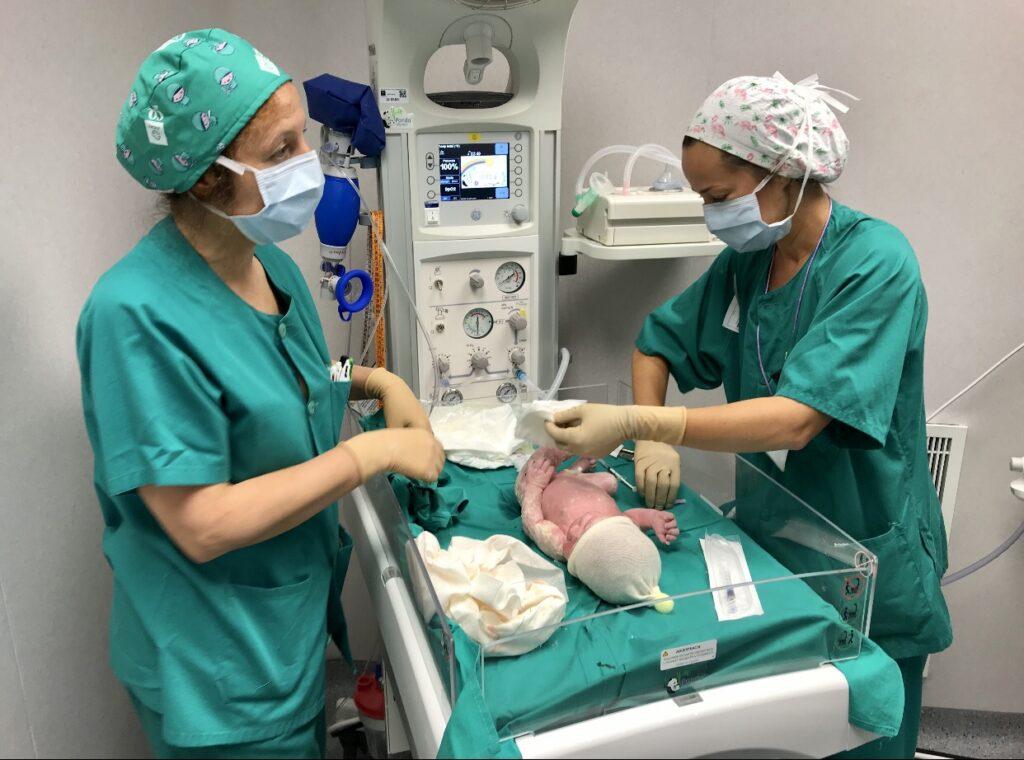 Imagen de un bebé recién nacido en Torrecárdenas.