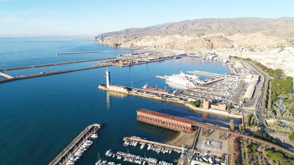 Muelle de Levante de Almería.