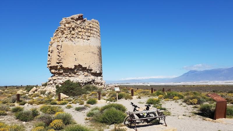 Torre de Cerrillos, en el paraje natural de Punta Entinas-Sabinar