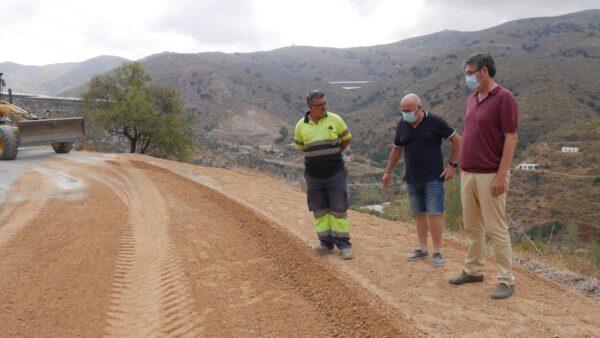 Camino rural en obras, en Adra.