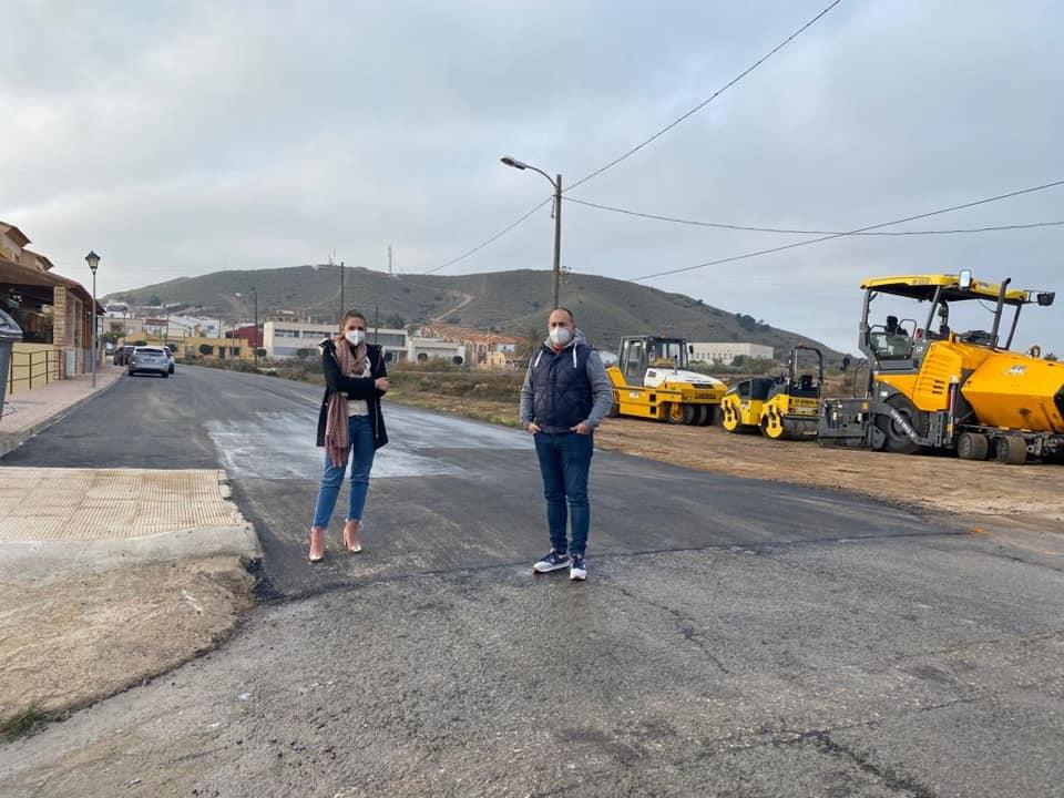 Concejales cuevanos visitan las obras en la carretera