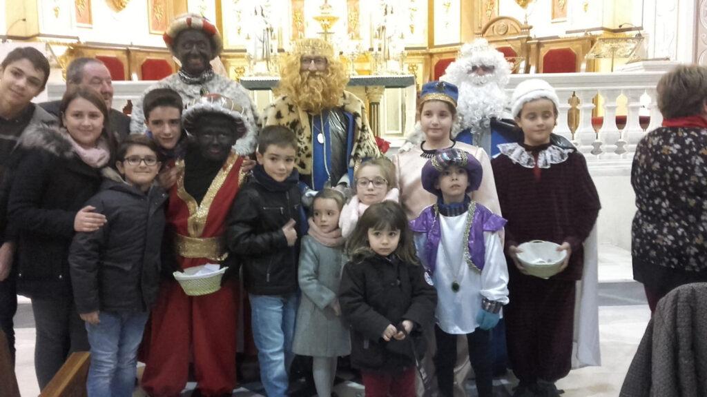 Los Reyes Magos tras la misa en su honor en enero de 2020