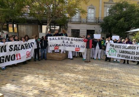 Protesta de las trabajadoras de ayuda a domicilio.