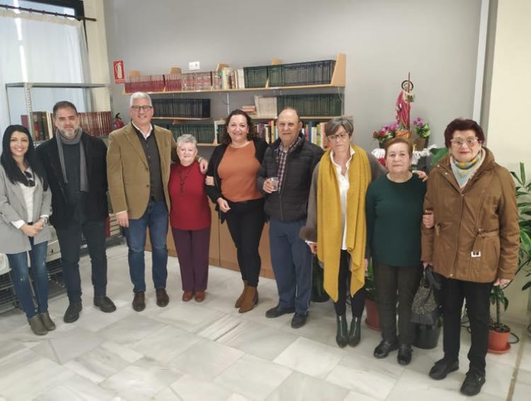 Ismael Torres y Arturo Torres con concejalas y mujeres de Huércal.