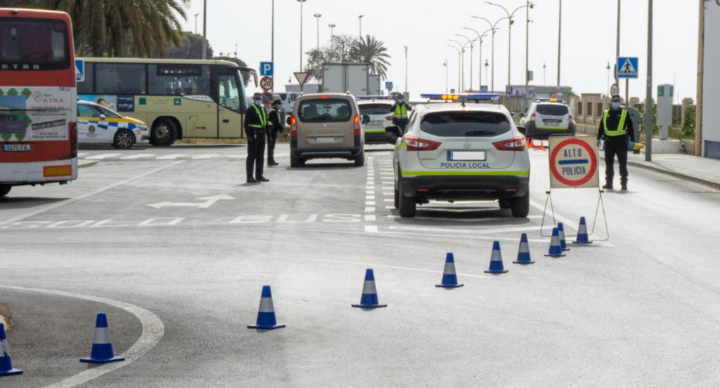 Control de la Policía Local de Adra.