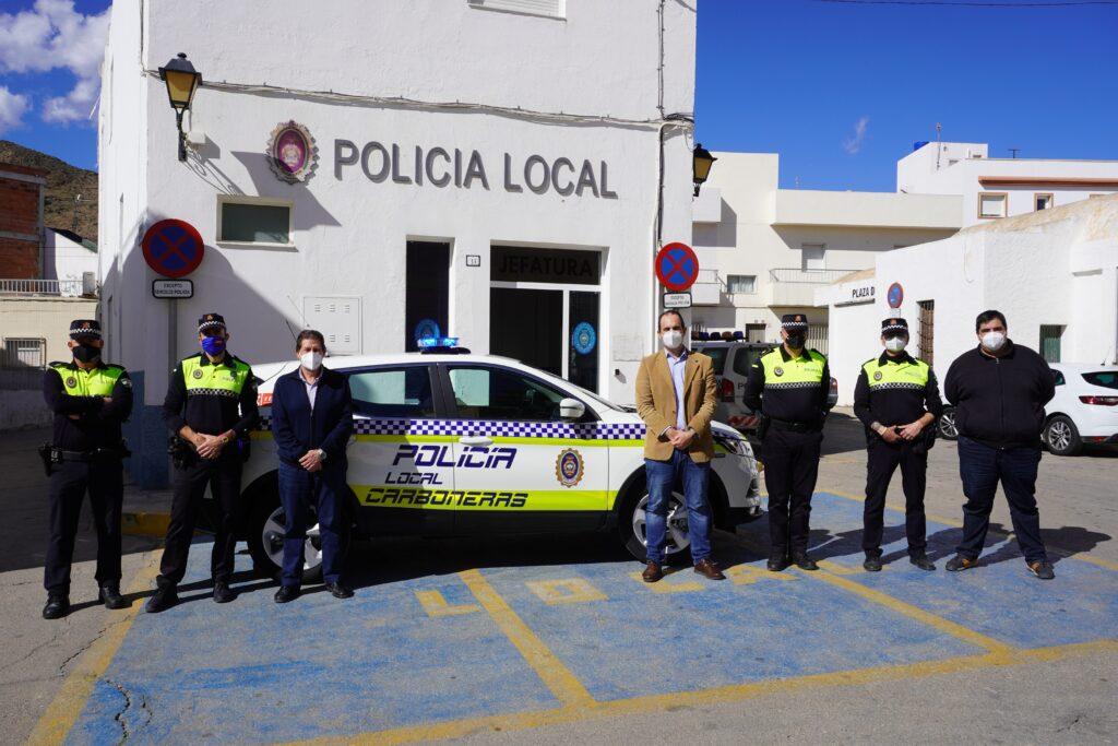 Alcalde y grupo vehículo Policía Local ok