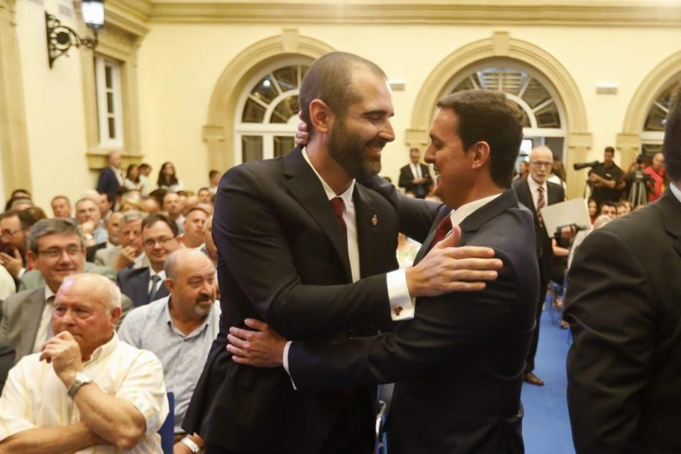 El alcalde de Almería y el presidente de la Diputación, a la derecha