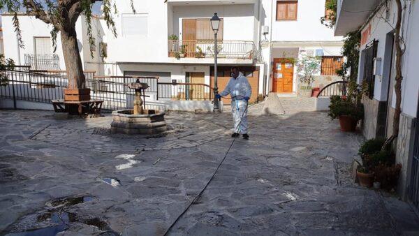 Limpieza en el municipio de Almócita