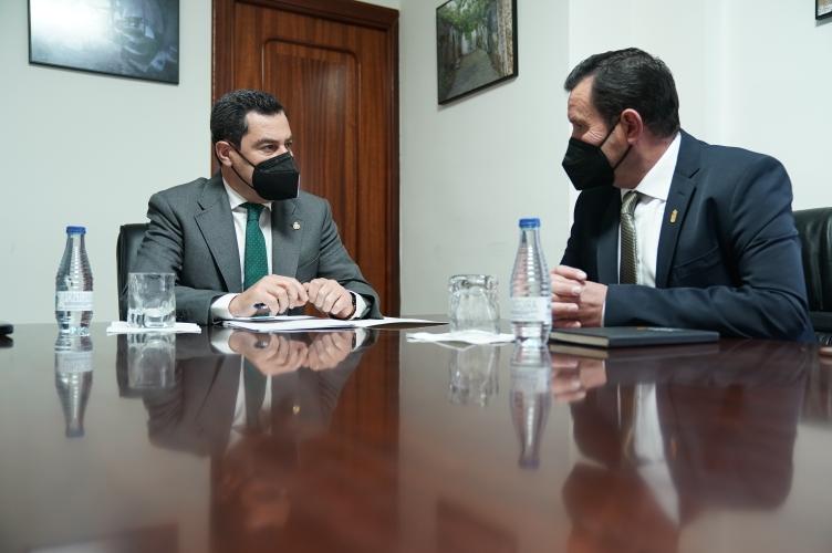 Moreno Bonilla y Antonio Fernández, alcalde de Abla