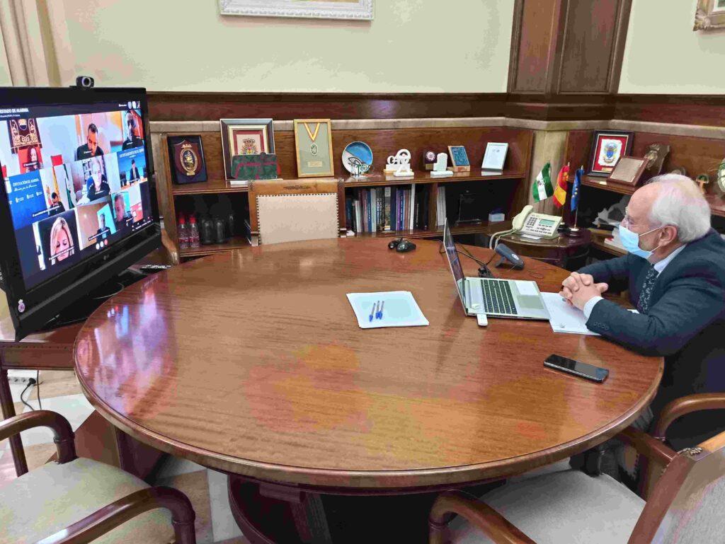 Manuel de la Fuente preside la reunión de coordinación telemática.