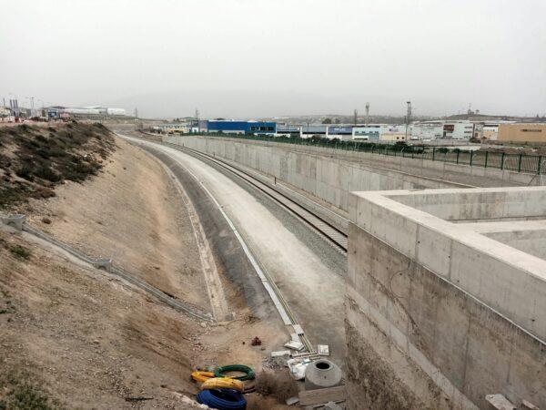 Vía montada en ancho ibérico en un punto próximo al soterramiento de El Puche