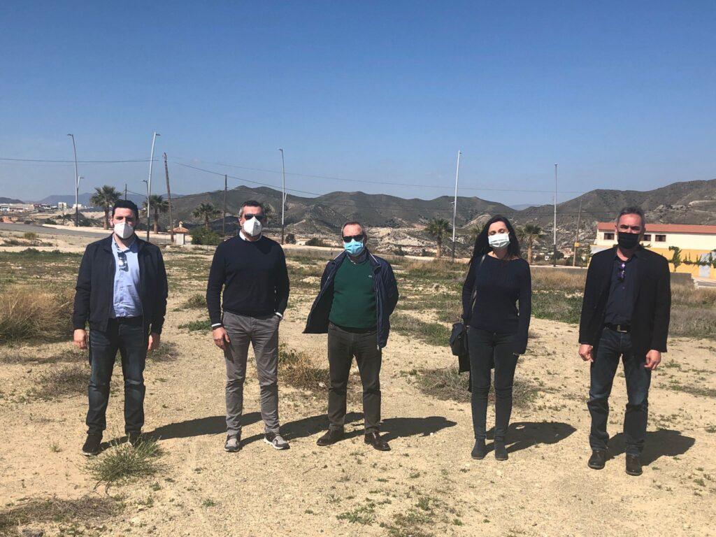Visita de diputados provinciales del PSOE a Arboleas, junto al alcalde y una concejala del equipo de Gobierno