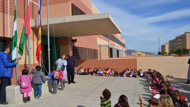 Imagen de archivo de una visita del alcalde de Vícar al CEIP José Saramago