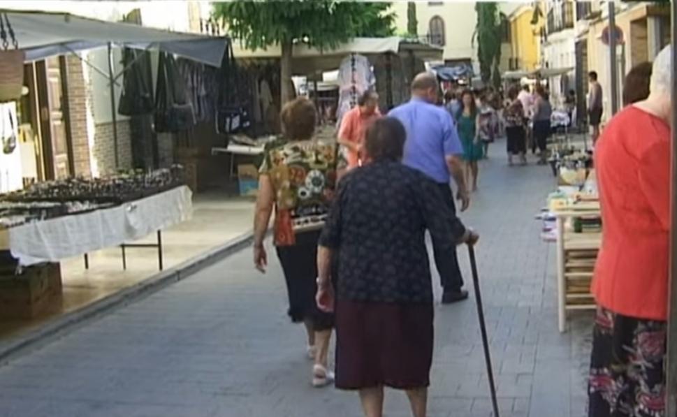foto de archivo del mercado semanal de Vélez-Rubio