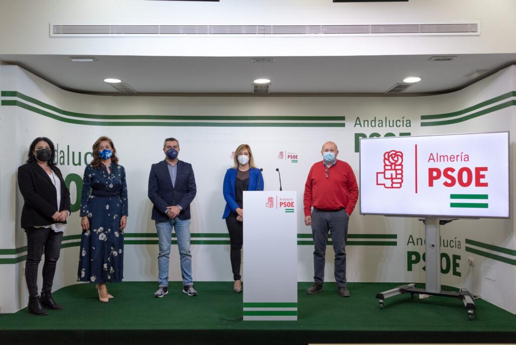200414 Foto PSOE Diputación María González, Carmen Aguilar, Juan Antonio Lorenzo, Teresa Piqueras y Antonio Gutiérrez.