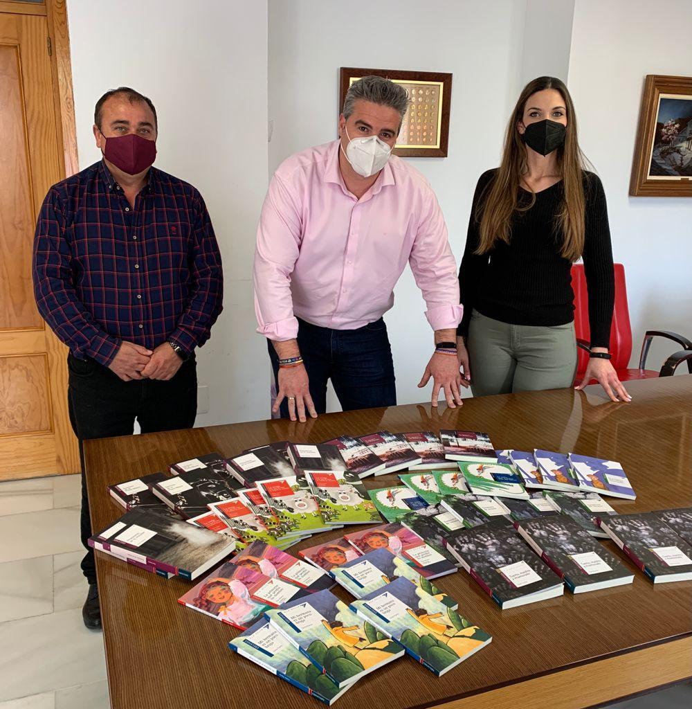 Alcalde de Viator y concejales con información sobre el 23A