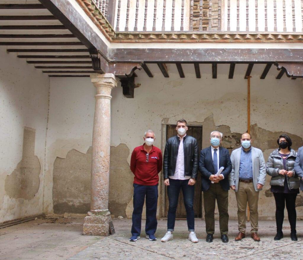 Visita Palacio Rey Chico Fuente Victoria