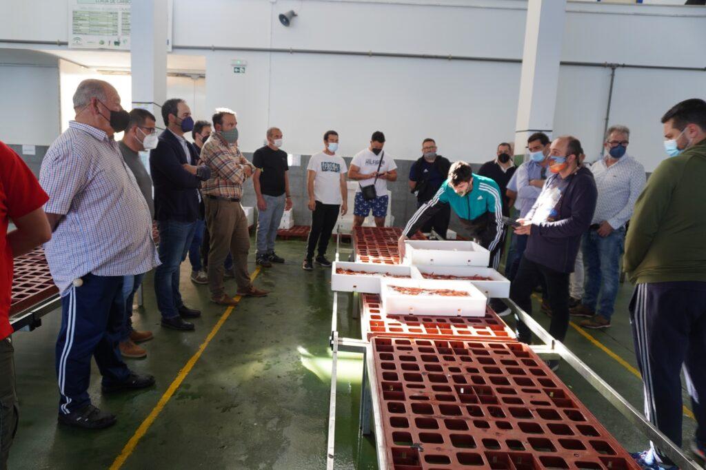 Alcalde, Andrés Belmonte y Pedro Hernández en la subasta con nuevas mesas