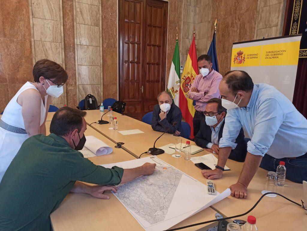 Reunión de Red Eléctrica Española y el Ayuntamiento de Antas, en la Subdelegación del Gobierno