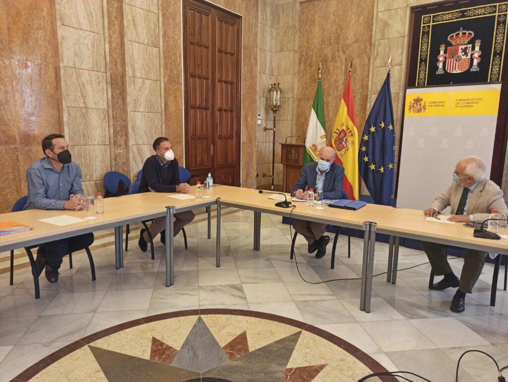 Reunión Subdelegado alcalde Antas Subestación La Ribina