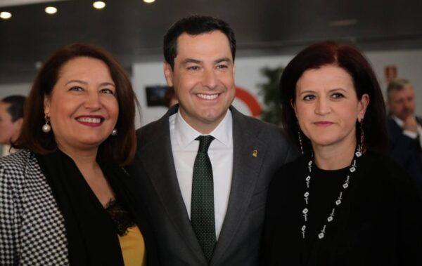 Carmen Crespo, Moreno Bonilla y la presidenta de Asaja en Almeria.